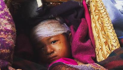 nepal appel d 39 urgence pour aider les habitants des. Black Bedroom Furniture Sets. Home Design Ideas