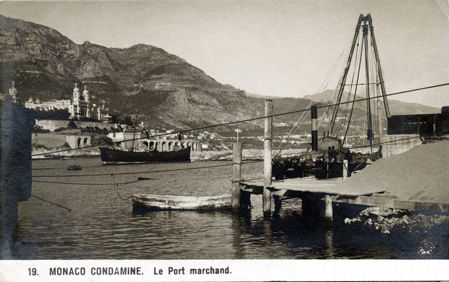 Monaco condamine le port marchand la carte postale du for Piscine du port marchand