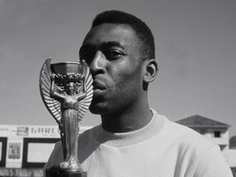 "PELÉ ""THE KING"" to be crowned in Monte Carlo at THE ""GOLDEN FOOT"" AWARDS!"